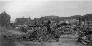 Bilde-02-02-Steinkjer-1945-etter-bombing.jpeg